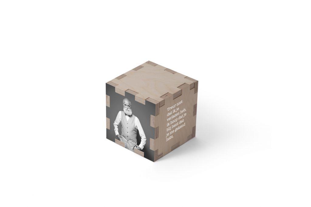 Urn kubus hout persoonlijk beerenberg Abel